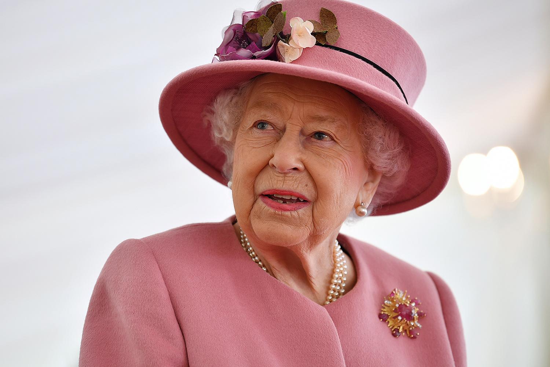 История культового британского ювелира, создавшего  любимую брошь Королевы Елизаветы из золота и рубинов